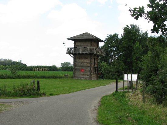 Bunnik, Ολλανδία: Romeinse wachtpost voor de ingang van het fort