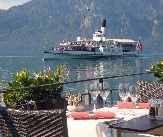 Zee Restaurant: Sitzplatz am See