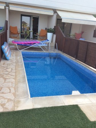 Private Pool Room (521)