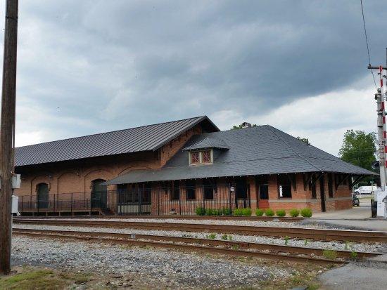 Neva Lomason Memorial Public Library
