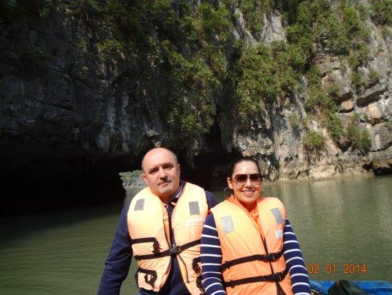 Bai Tu Long Bay: На лодочке