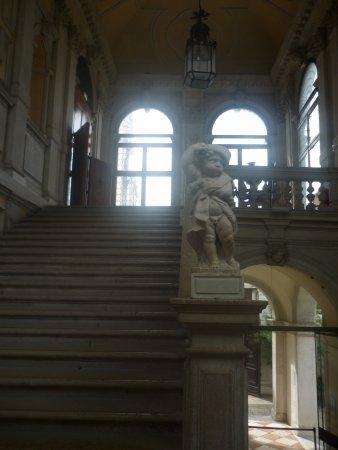 Ca' Rezzonico: Magnífica escalera