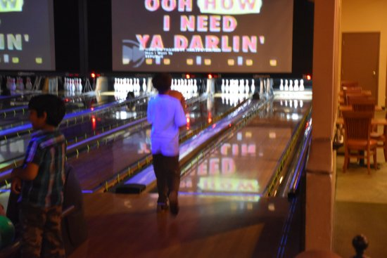 Lawrenceville, NJ: Colonial Bowling and Entertainment :  Kids Bowling Birthday Party