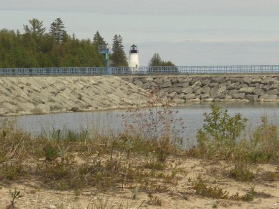 North Bay Bed & Breakfast: old presque isle lighthouse
