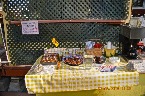 Northern Nights Campground and RV Park : complimentary desserts that were offered