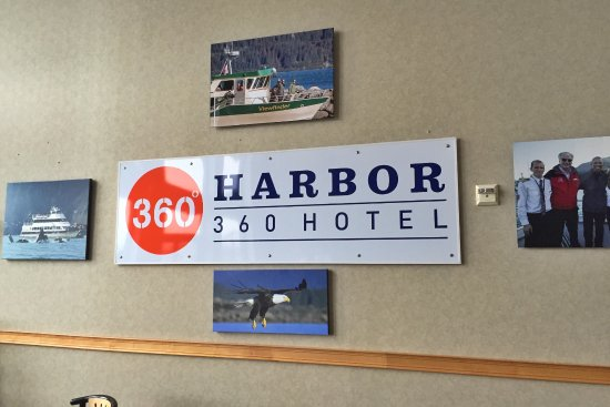 Harbor 360 Hotel: Dining Room Wall