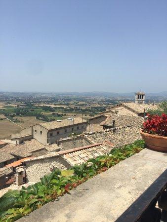 Vista dalla terrazza di Properzio - Picture of Le Terrazze di ...