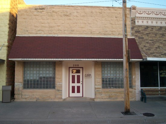Lucas, KS: Street Side