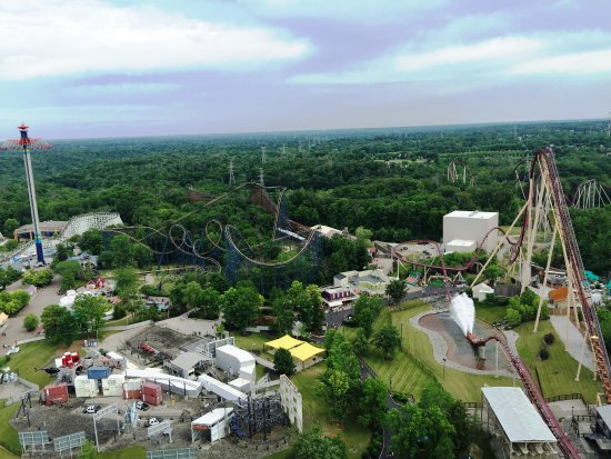 Kings Island: Ariel view of Wind Seeker on the left, Vortex roller coaster in the middle and Diamondback - spl