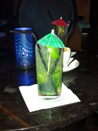 DoubleTree by Hilton Hotel London - Marble Arch: Elena makes the best Mojitos!