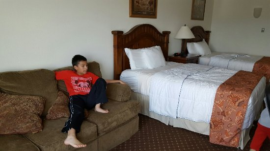 Brookside Inn & Suites White City: 20160618_150954_large.jpg