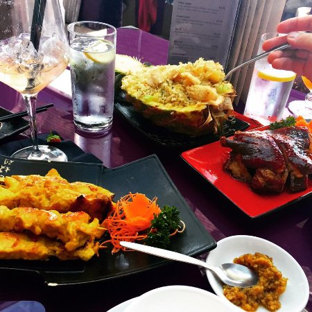 Ba Orient: Fried rice in a pineapple, Hong Kong duck and Satay chicken