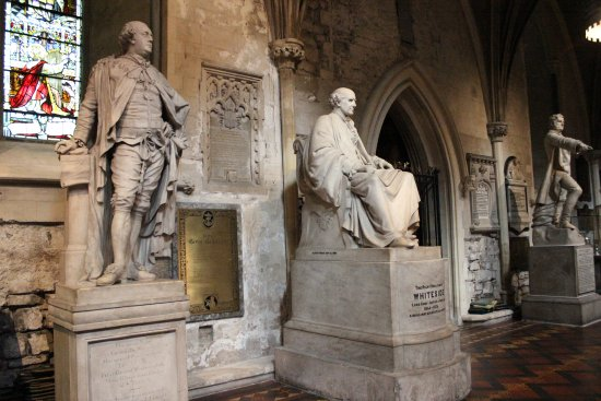 Saint Patrick's Cathedral: statues