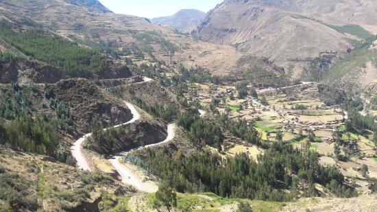 Regio Cuzco, Peru: Foto do Vale antes da entrada para as ruínas