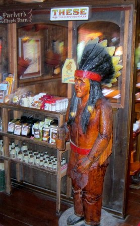Mason, NH: Gift shop with cigar store Indian