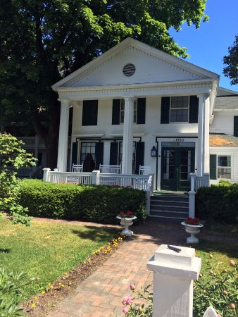 Haan's 1830 Inn: Beautiful Bed and Breakfast!