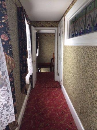 The Queen Victoria: Prince Albert building 3rd floor hallway