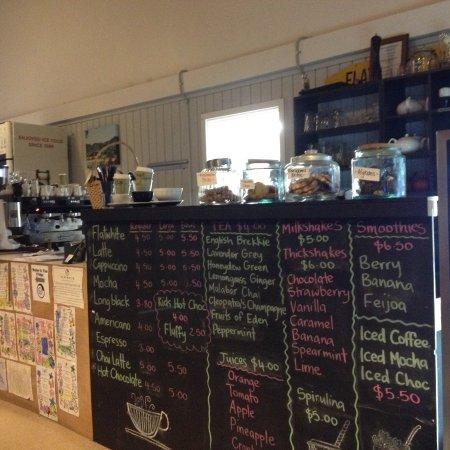 Waihi Beach, Nya Zeeland: Extensive blackboard menu
