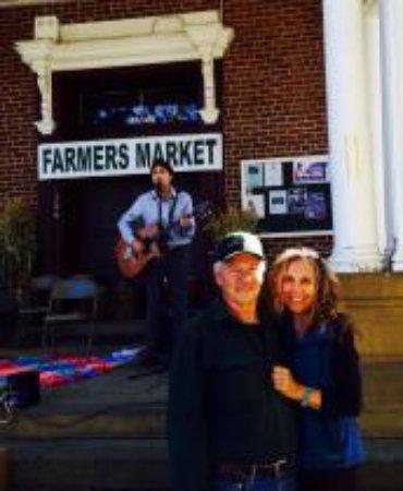 Jville.Market: Live music