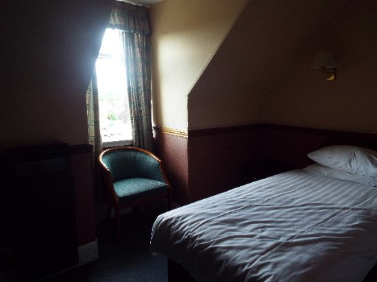 Nethybridge Hotel: One small window for natural light. Not as dark as the camera made it.