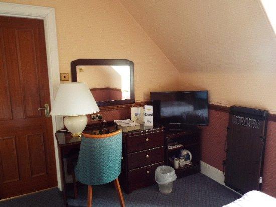 Nethybridge Hotel: Dressing table and desk etc.,