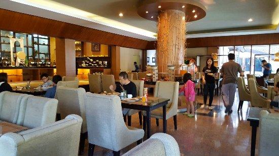 Puteri Gunung Hotel: 20160626_082252_large.jpg