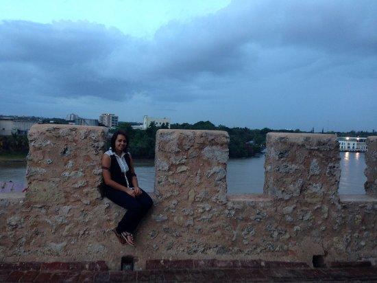 Zona Colonial: La Fortaleza y vista del rio Ozama