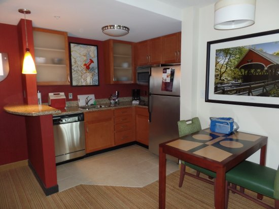 Residence Inn Concord: Our kitchen area in our room. They offer shopping if you can't do it and stock your fridge.