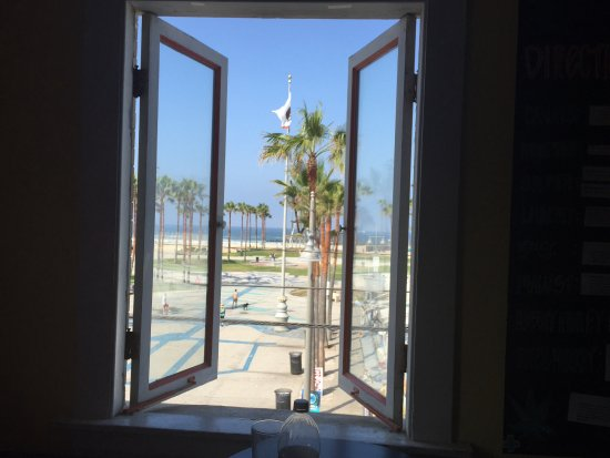 Samesun Venice Beach: View from common room. Literally RIGHT in the heart of Venice