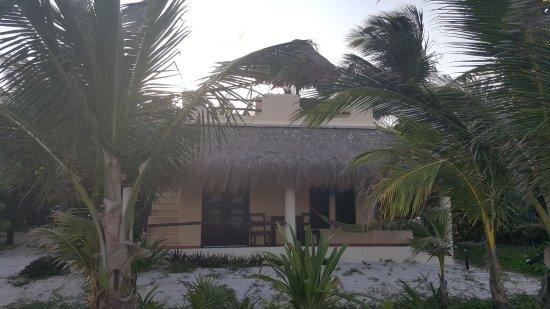Hotel Maya Luna: Cada habitación incluye dos terrazas una en planta baja y otra en el techo para observar el ciel