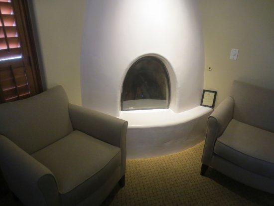 Old Santa Fe Inn: In room fireplace