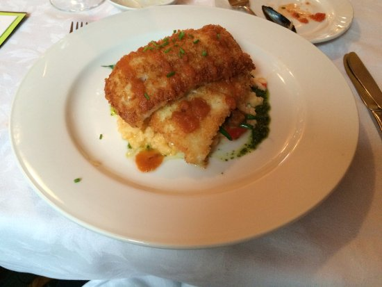 Sugar Hill Inn Dining Room: Best cod in the world, better than anywhere else!