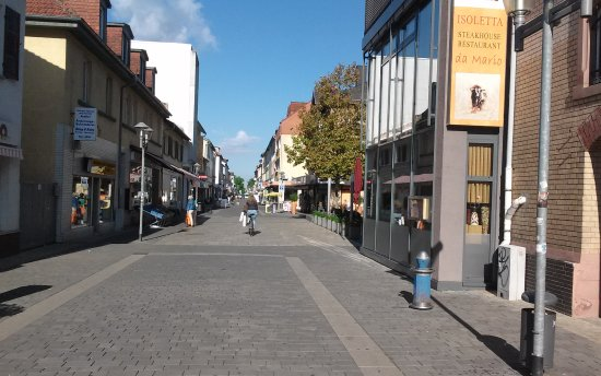 Hotel Central: Paseo por Neu Insenberg