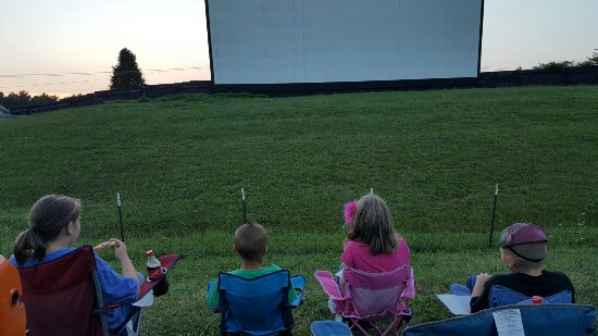 Pipestem drive in theatre