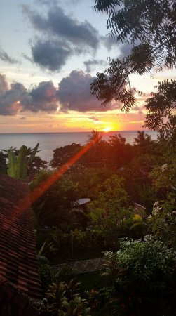 Sinar Bali 1 Bungalows : Sunrise from Sinar Bali bungalow room 2