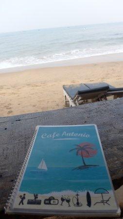 Αντζούνα, Ινδία: Beachfront cafe