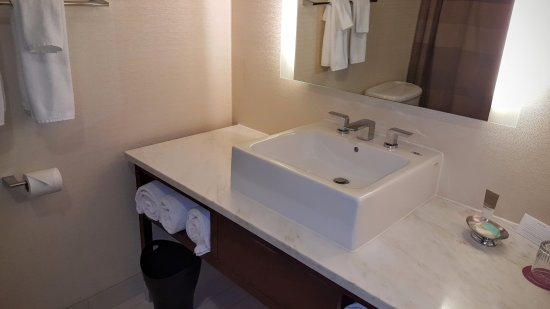 Morristown, NJ: Bathroom