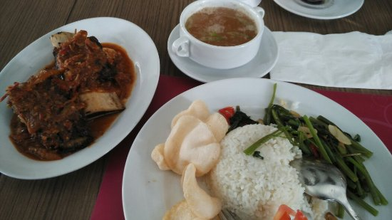 Panakkukang, Indonesië: My favorit menu: Iga bakar