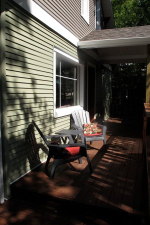 Rosebud, Canadá: Front porch