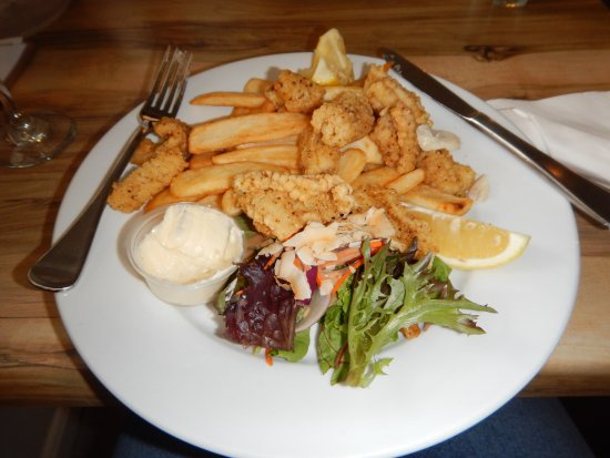 Patonga, Australia: Salt and Pepper Squid with coconut salad and garlic aioli