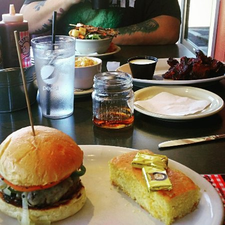 Baldy's Barbeque : My friends and I stopped in for lunch. The ribs were fantastic, build your own burgers to die fo