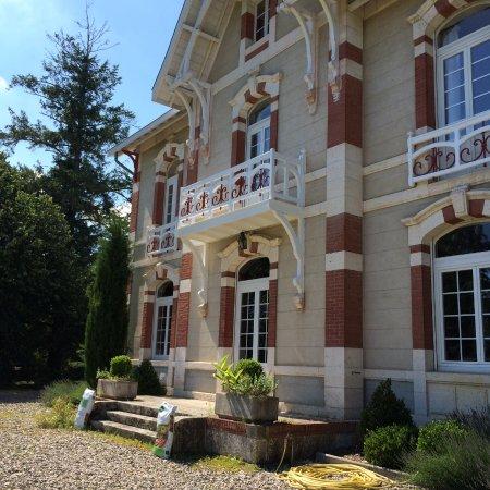 La grande maison b b moustey france voir les tarifs for Auberge de la grande maison