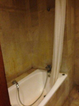 Sari Segara Resort Villas & Spa: напор воды хороший
