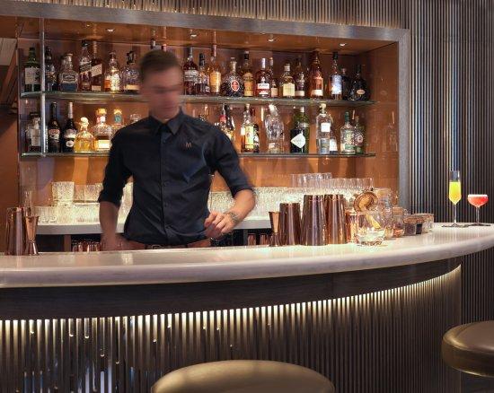 May Fair Bar - Barman