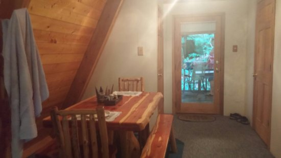 Tranquil Retreat Cabins : 0622161932a_large.jpg