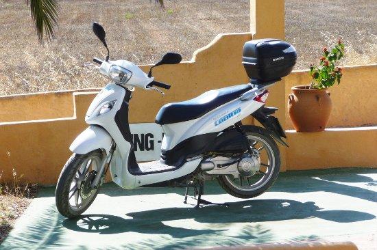 Cooltra Motos: Der Parkplatz an der La Palmera