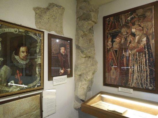 Museo dei Tasso e della Storia Postale: портреты