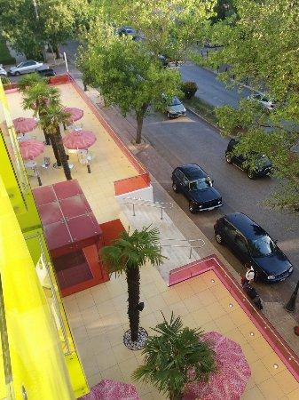 Semiramis: Πολύ καλό ξενοδοχείο σε όμορφη τοποθεσία !