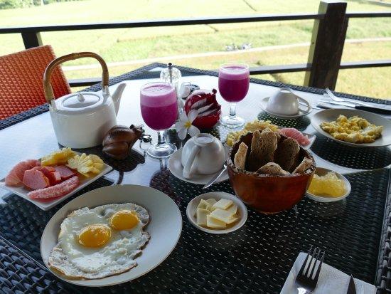 Balam Bali Villa: Copieux petit déjeuner