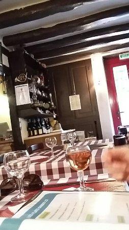 Vouzeron, Francia: L'auberge du feuillage